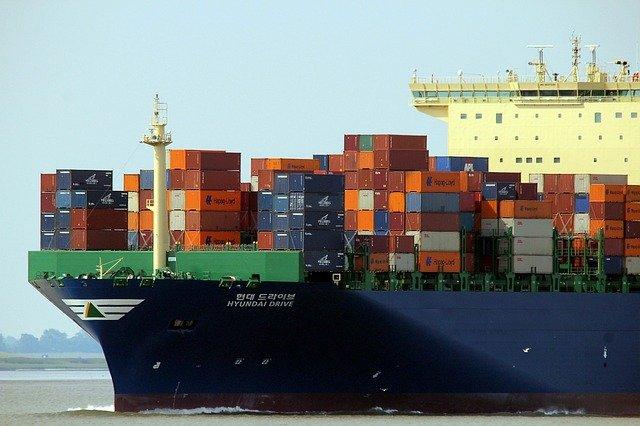 https://pixabay.com/de/photos/container-schiff-container-frachter-537724/